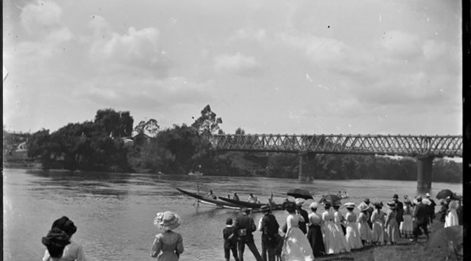 Māori waka hurdle race on the Waikato River at the Ngaruawahia Regatta. 1910.  Godber, Albert Percy, 1875-1949, Alexander Turnbull Library, Wellington, New Zealand. http://natlib.govt.nz/records/22661780