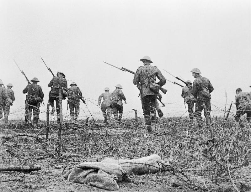 Still from The Battle of the Somme (1916). Image courtesy of Imperial War Museums.