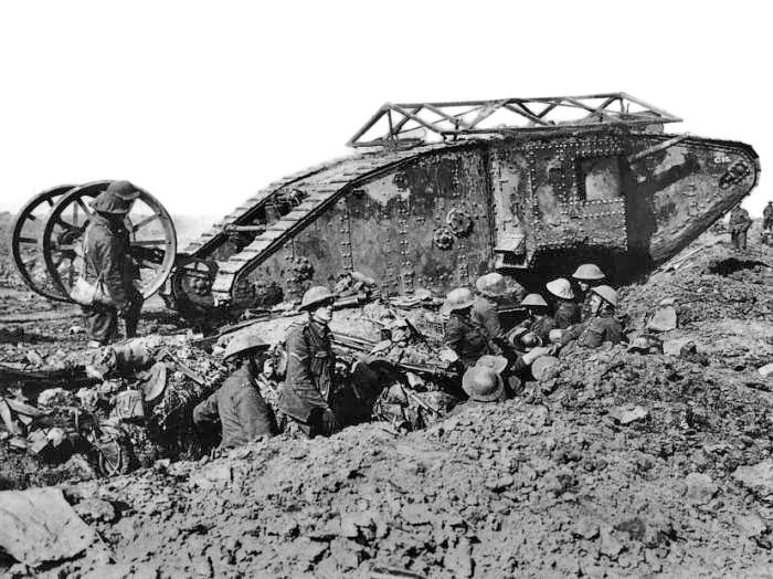 British Mark I male tank near Thiepval, 25 September 1916. (Image: Wikimedia Commons, from the collection of Imperial War Museums)