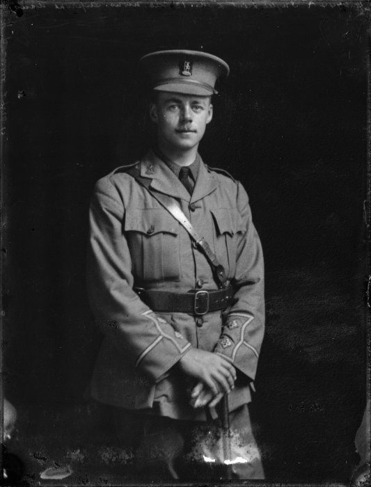 Lindsay Merritt Inglis. S P Andrew Ltd : Portrait negatives. Ref: 1/1-014100-G. Alexander Turnbull Library, Wellington, New Zealand. http://natlib.govt.nz/records/23020325