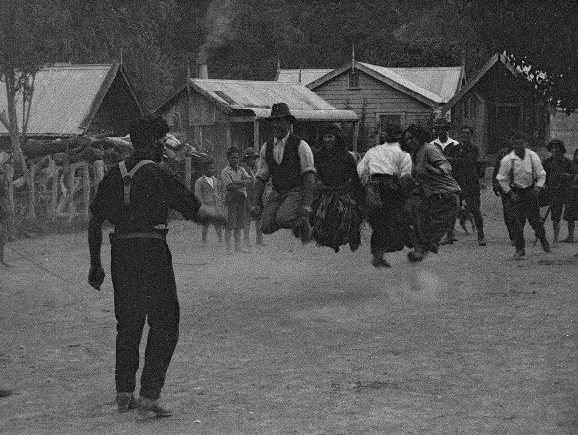 Maori and settlers play a skipping game