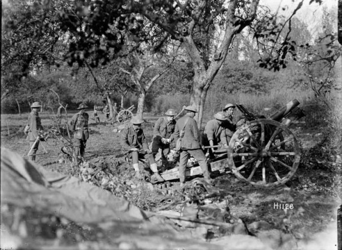 New Zealand gunners at Le Quesnoy, 1918. Courtesy Alexander Turnbull Library